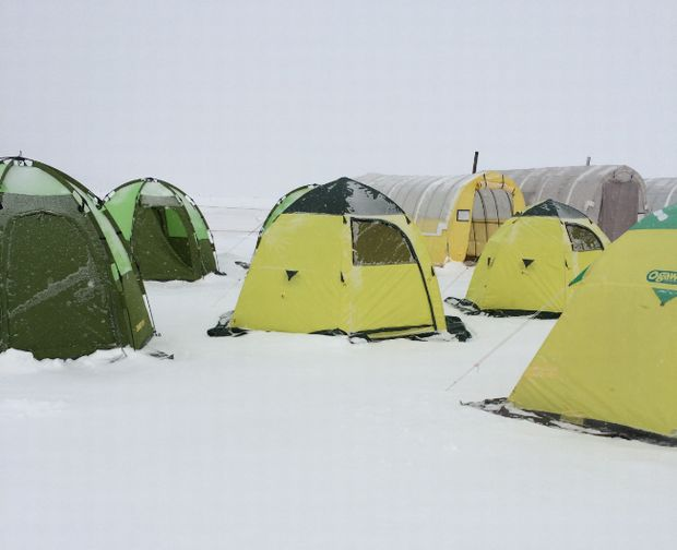 06_ice-land-akan-tent-site